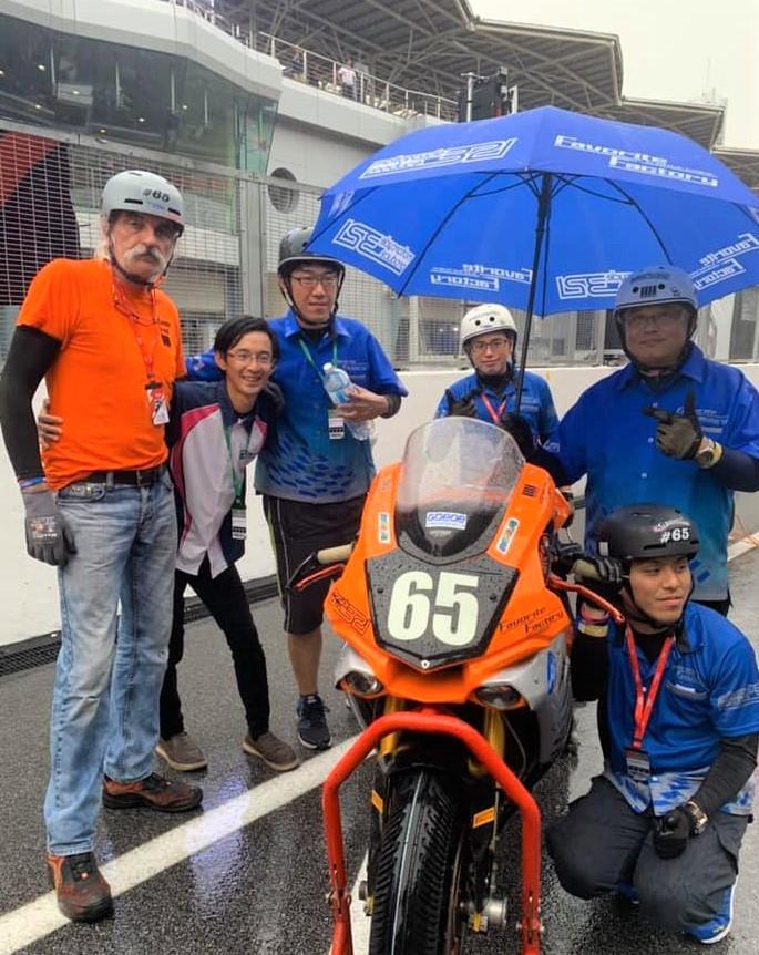 321_umbrella_sepang